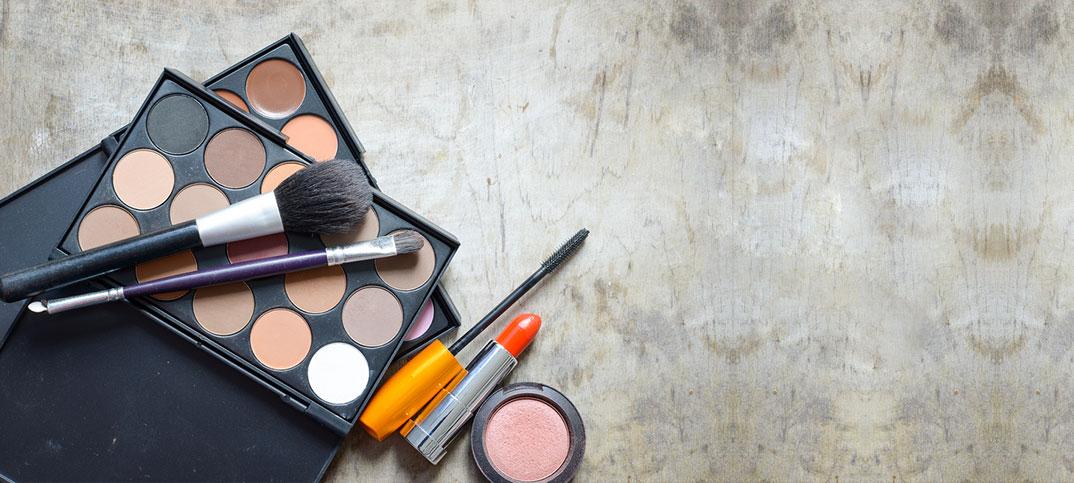 invest a good makeup kit