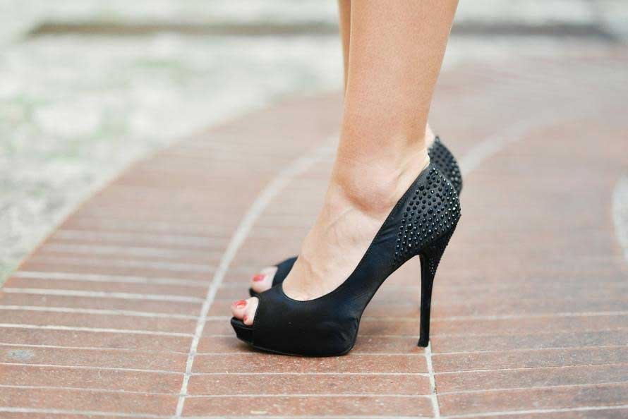 pumps footwear